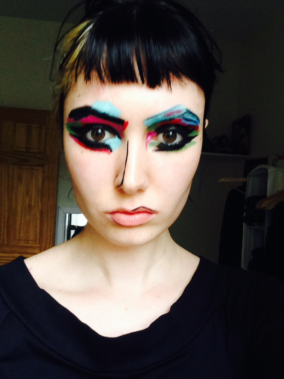 Make Up Fashion And 50 Shades Of Pink: Abstract Art Inspired Makeup